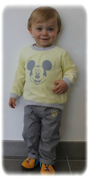 Ensemble Mickey porté 3