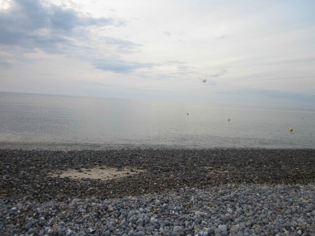 Un pique-nique en amoureux improvisé sur la plage de Dieppe (76)...