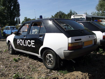 RENAULT 14 TS Phase I Vehicule de Police 1979 Nesles Retro Expo 2010 2