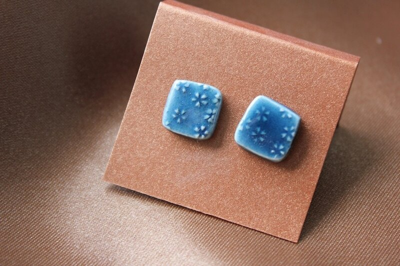 boucles-d-oreille-puces-de-ceramique-bleu-d-oz-5655491-img-1796-copie-ba2a-6d190_big