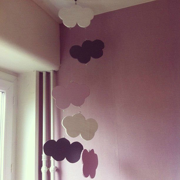 diy un magnifique et simple mobile nuages une coccinelle en ville. Black Bedroom Furniture Sets. Home Design Ideas
