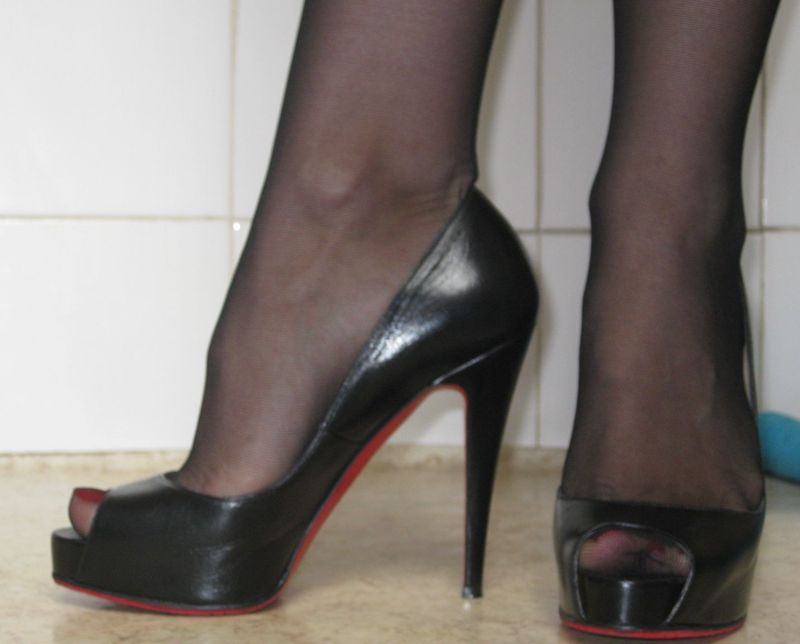 chaussures louboutin occasion
