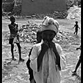 Mali : children playing / des enfants qui jouent