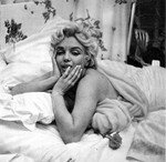 1956_feb_CecilBeaton_Bed_0020_040_2