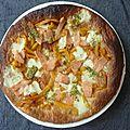 Tarte fine au saumon, poivron, mozzarella et pesto