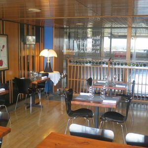 Le Ventre de l'Architecte Salle de restaurant (3) J&W