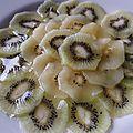 Un dessert tout fruité, acide et sucré à la fois avec des kiwis de 2 couleurs