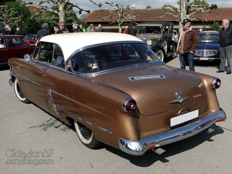 ford-crestline-victoria-coupe-1953-02
