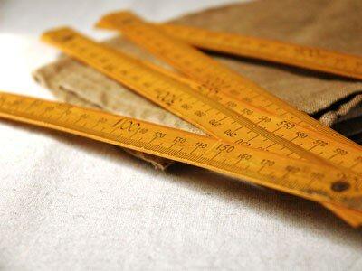 metre_jaune_antique