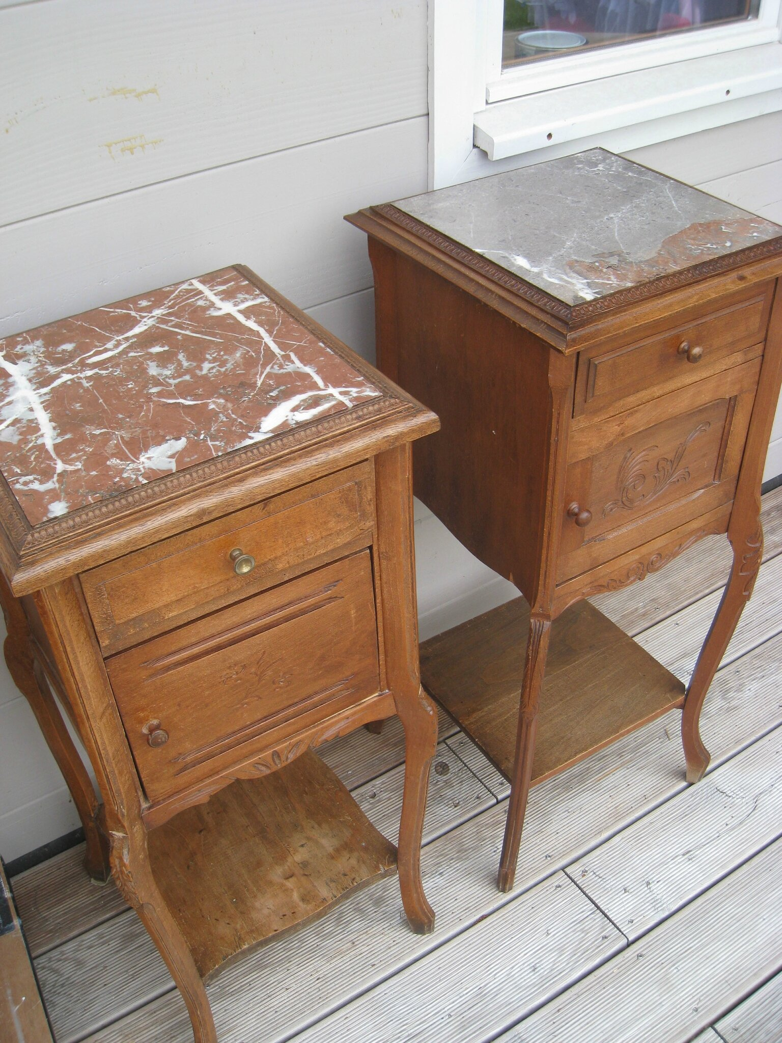 une table de toilette et ses 2 chevets anciens patines couleurs. Black Bedroom Furniture Sets. Home Design Ideas
