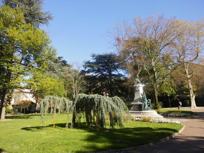 St-Cham jardin public (2)