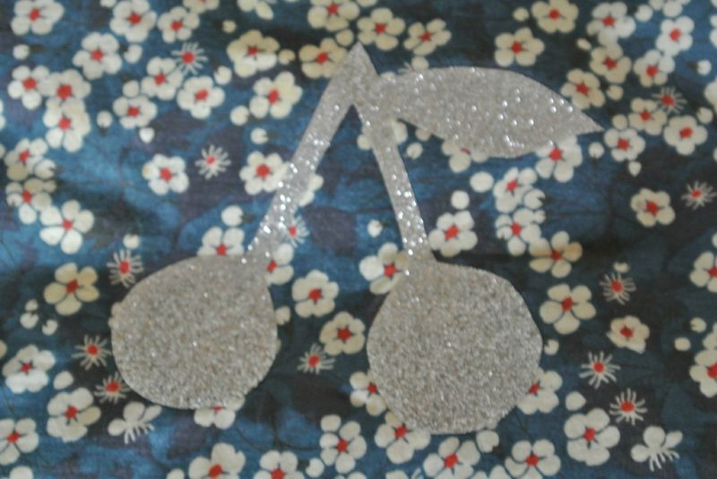 halloween, transferts paillettes, broches, snood 030