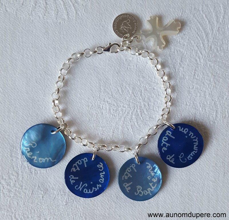 Bracelet de Communion (bleu) - 33 € sur chaîne métal ; 60 € sur chaîne argent massif