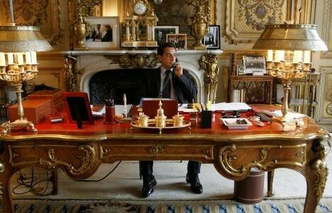 nicolas sarkozy au bureau des abonn s pr sents. Black Bedroom Furniture Sets. Home Design Ideas