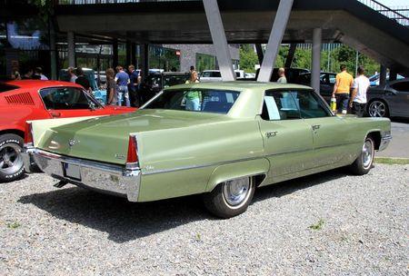Cadillac calais hardtop sedan de 1969 (RegioMotoClassica 2011) 02