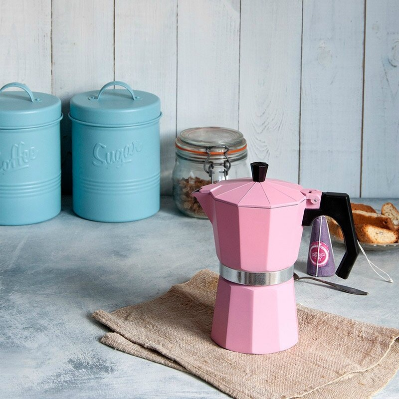 cafetiere-italienne-rose-lifestyle