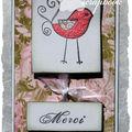 Un petit oiseau rose...
