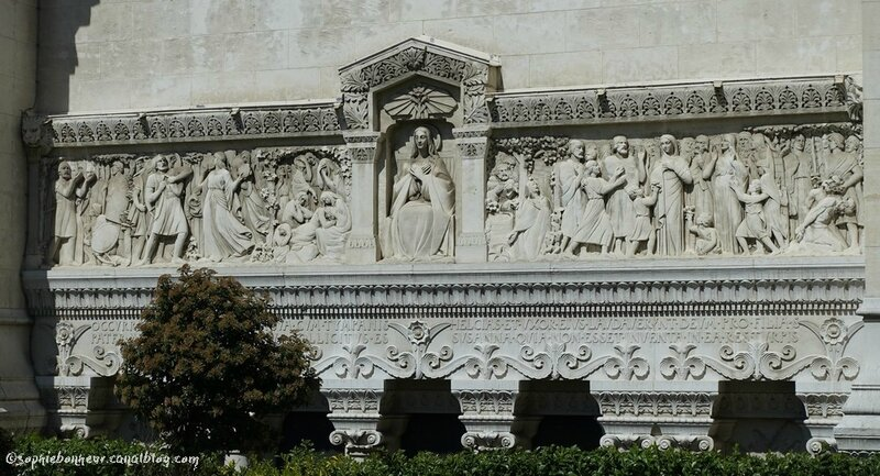ND bas reliefs ext