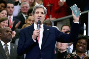 JohnKerry at State Department with Diplomatic passport
