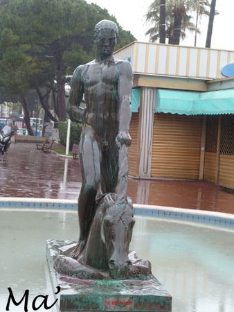 130307_cannes_fontaine1