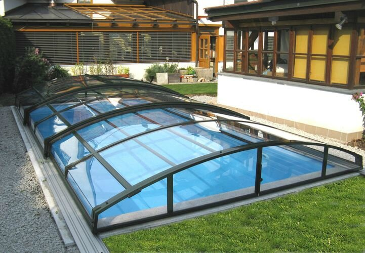 Abri piscine s curit et design le quotidien d 39 elo se for Piscine hors sol destockage
