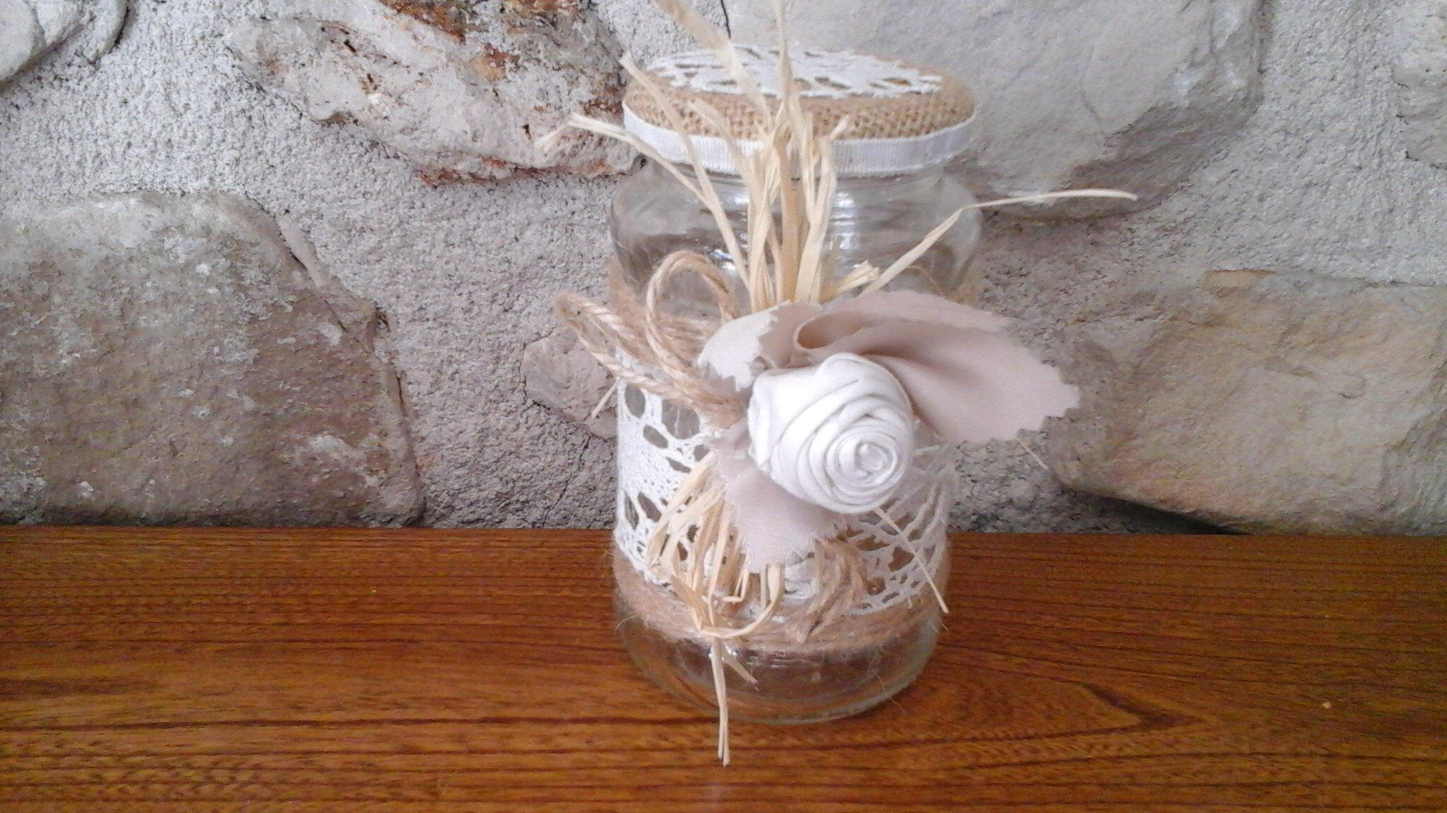 Petit bocal en verre à vis. jute, dentelle drap, ficelle lin 14 cm