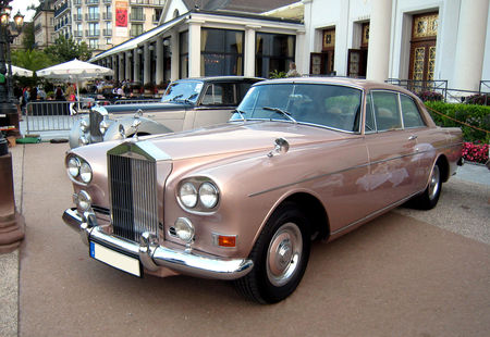 Rolls_royce_silver_cloud_II_chinese_eyes_de_1964_01