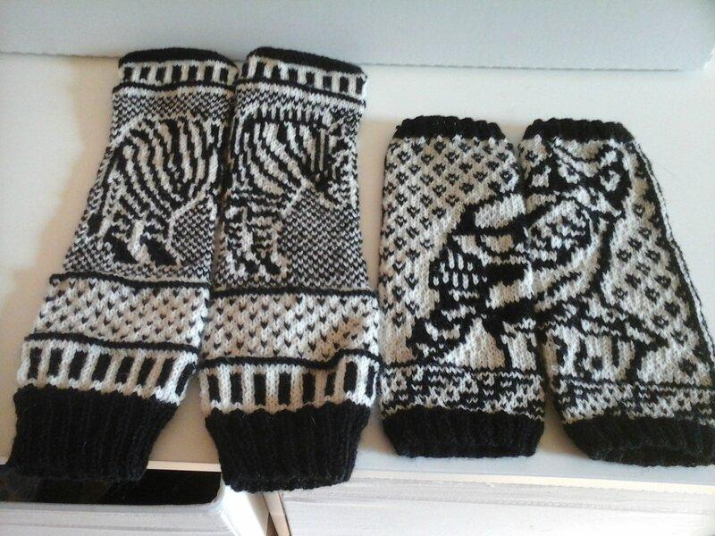Zebra mittens2