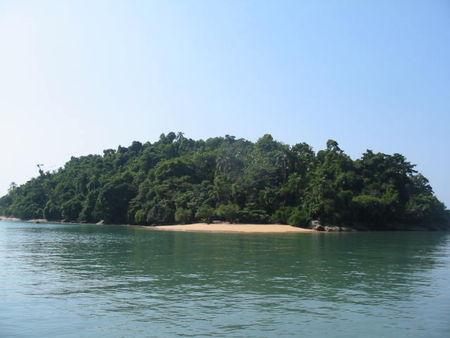 ilha_na_regiao_d_Paraty