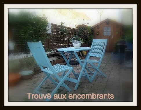 table aux encomblrants
