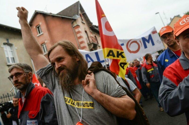 929562-des-manifestants-demandent-le-maintien-des-400-emplois-du-site-d-alstom-menaces-de-delocalisation-a-
