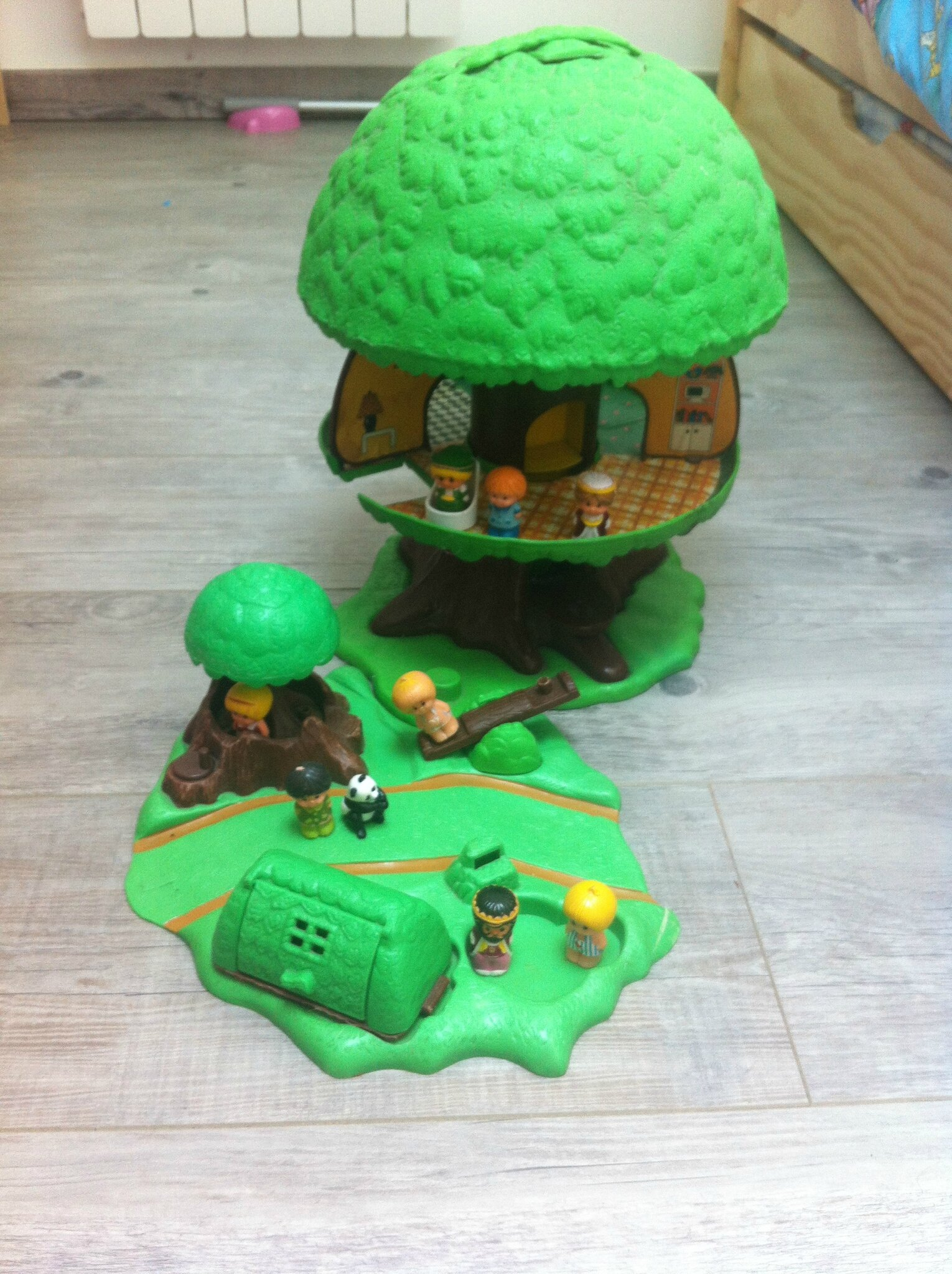 Mes jouets d 39 enfance jul and the city for Arbre maison jouet