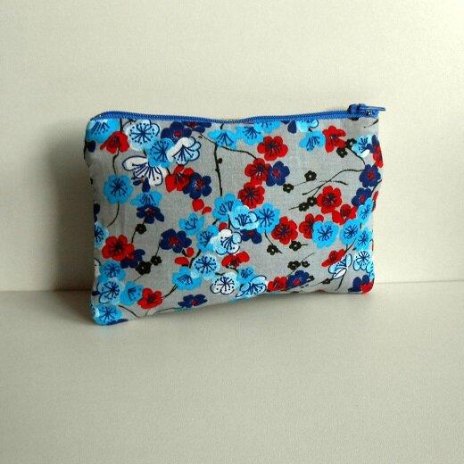 Pochette fleur bleu-rouge