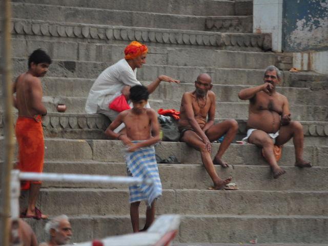 Sur les rives du Gange à Varanasi