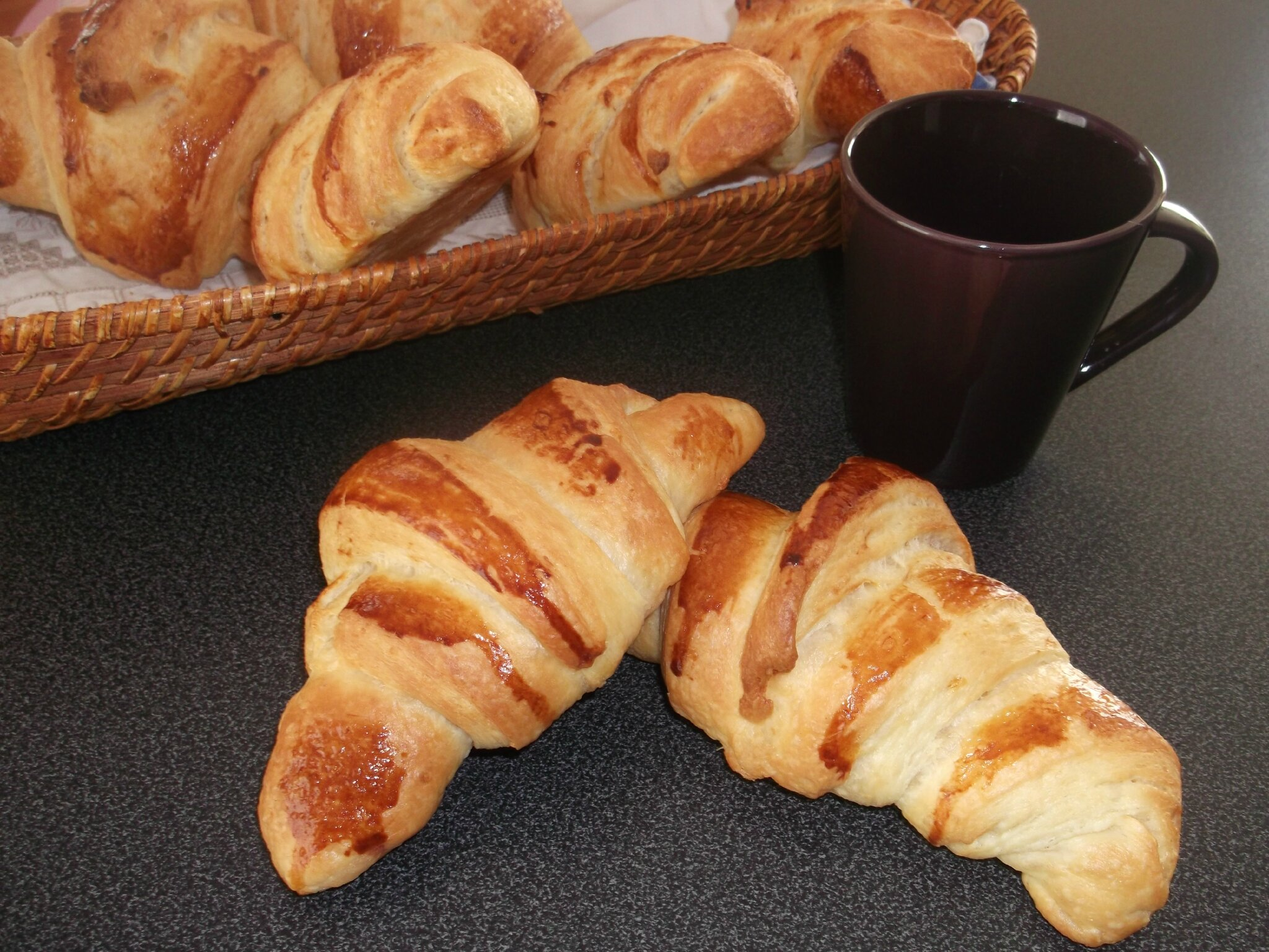 croissants pur beurre 100 fait maison le royaume des douceurs par ilham. Black Bedroom Furniture Sets. Home Design Ideas