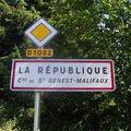 Incription de la République dans le nom d'une commune en Loire