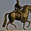 La statue équestre du roi Henri IV.