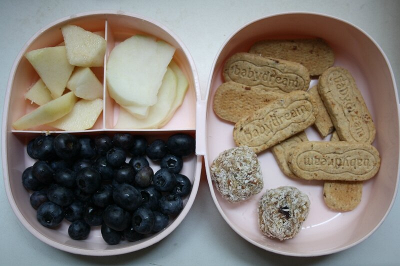 poire, chou rave, myrtilles, biscuits müsli sans sucre, energy balls
