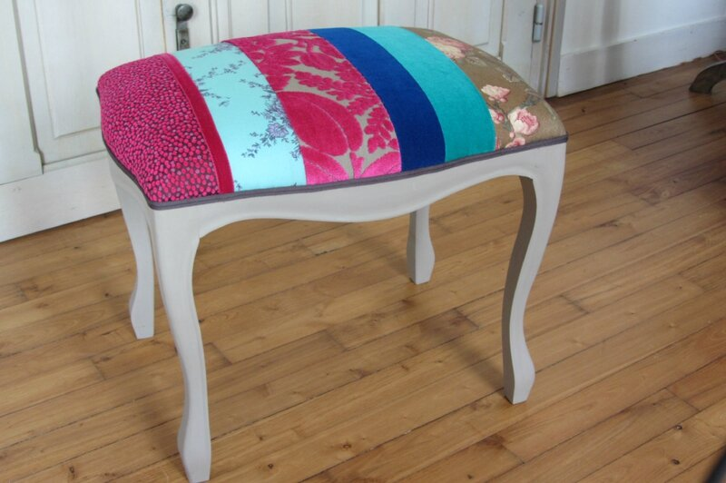 Repose pied en patchwork tapissier brest photo de cr ations vendues qu - Capitonner un fauteuil ...