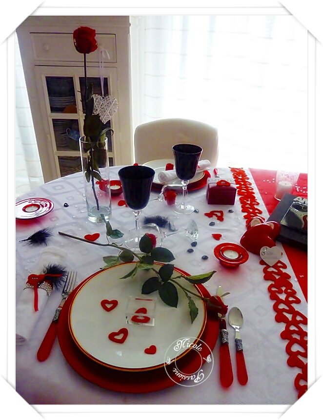 "Ma table St VALENTIN "" AMOUR ROUGE PASSION"""