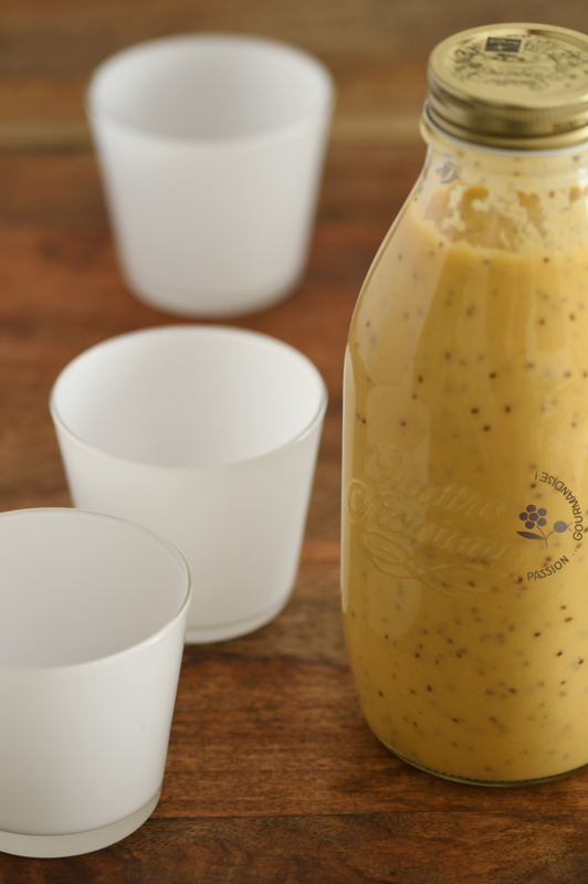 Smoothie mangue, orange, citron, graines de chia, lait coco-amande_2