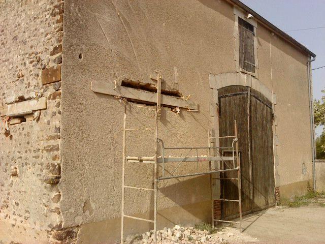 La suite cr er des ouvertures la r novation d 39 une - Renovation d une grange en maison d habitation ...