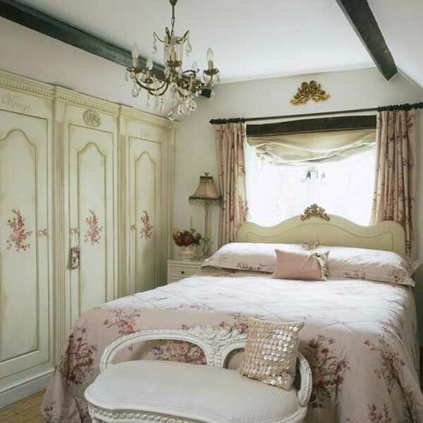 romantic-shabby-chic-bedroom-decorating-ideas-1