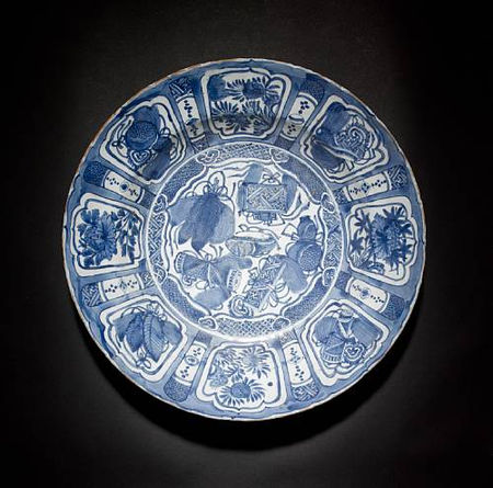 A_Kraak_blue_and_white_dish