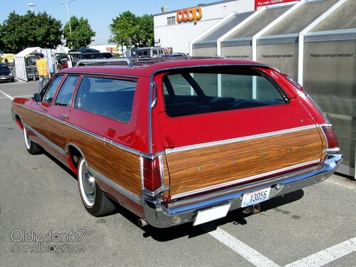 1969-chrysler-town-and-country-02