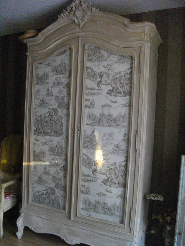 armoire ancienne style louis xv 870 euros photo de vendre le grenier de bertille. Black Bedroom Furniture Sets. Home Design Ideas