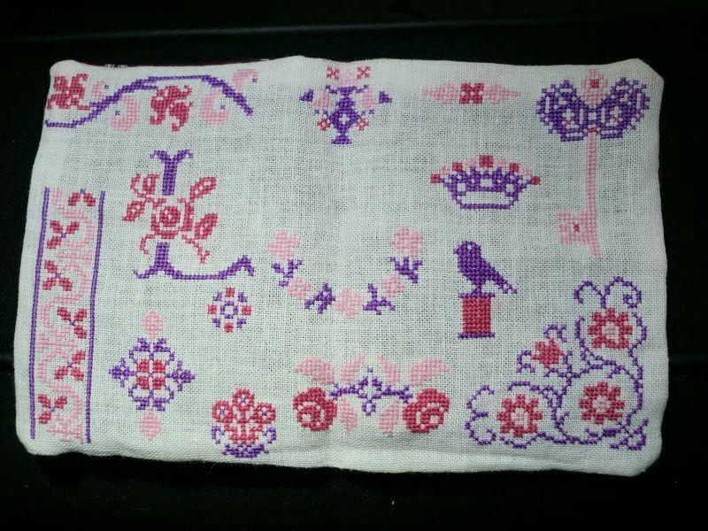 Pochette guimauve et violette