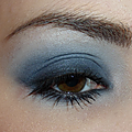 Un smoky bleu mat, simple et efficace !