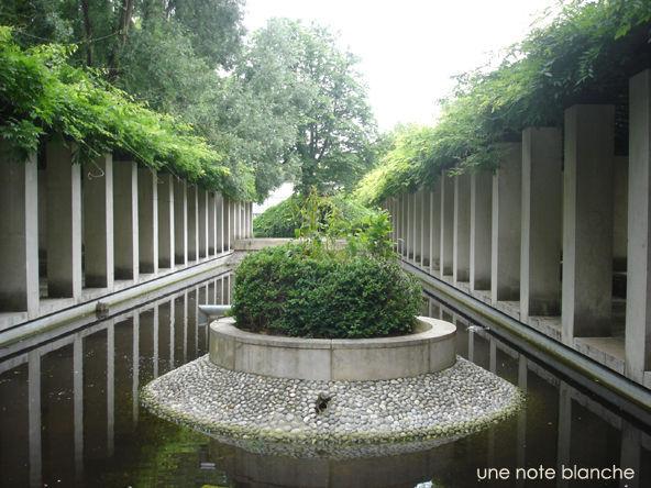 paris_jardin_bercy_eau