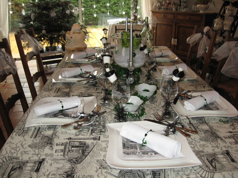 Tables jour de l 39 an album photos mumu et ses passions - Decoration table reveillon jour de l an ...